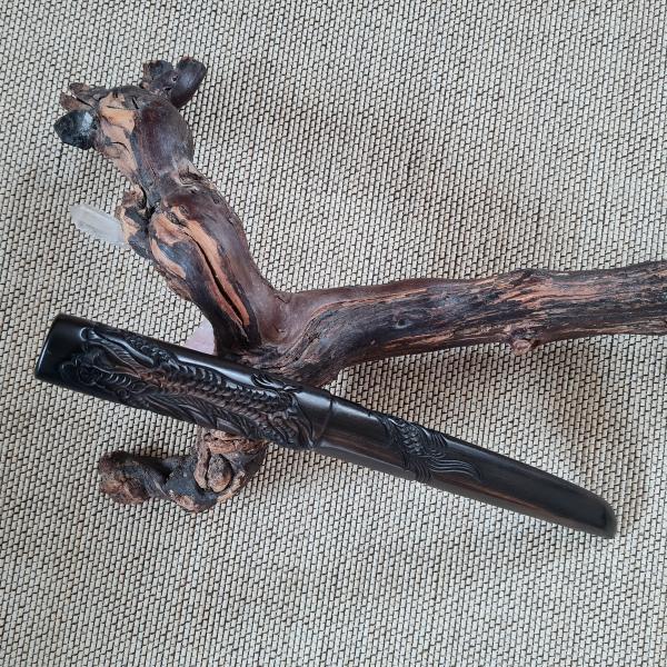 Tanto aus Ebenholz - Itto-Ryu-Form mit Drachenschnitzerei